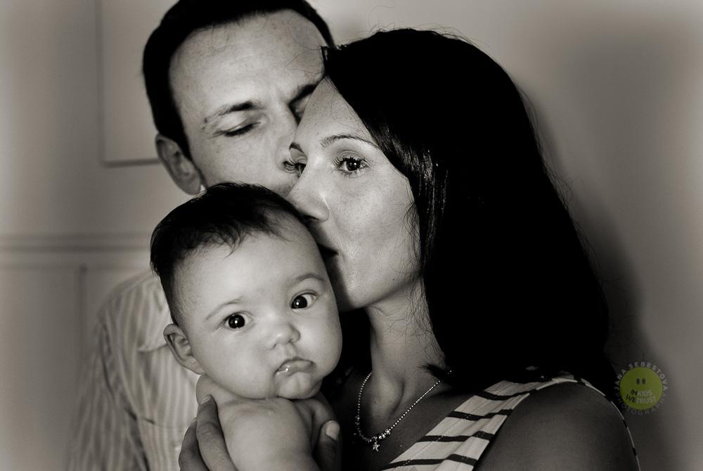 primi piani della mamma papa e bebe